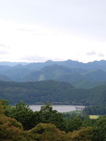熊野古道から見る大斎原