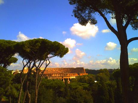 パラティーノの丘から見たコロッセオ