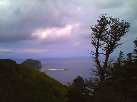 サイクリングロードからペシ岬が見える