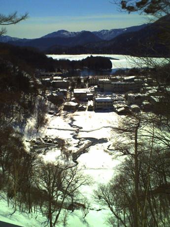 奥日光湯元の源泉と湯の湖
