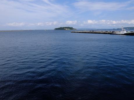 三笠から見た猿島