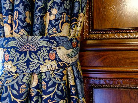 食堂のカーテン